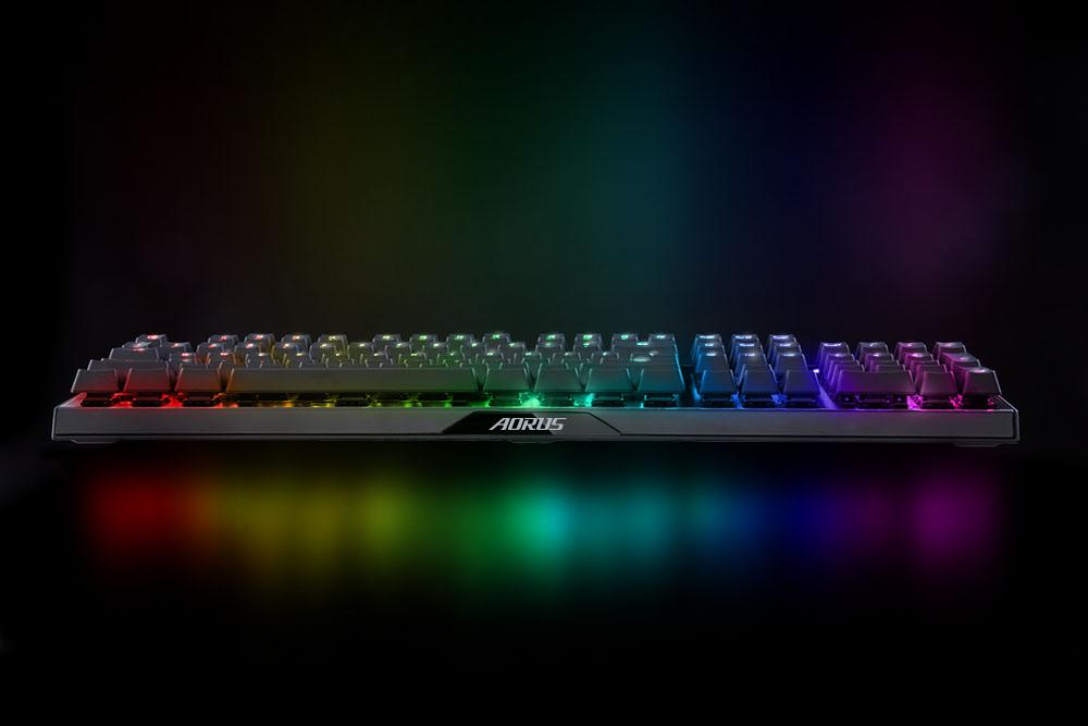 Геймърска механична клавиатура Gigabyte Aorus K9 RGB Optical Red Switch-3