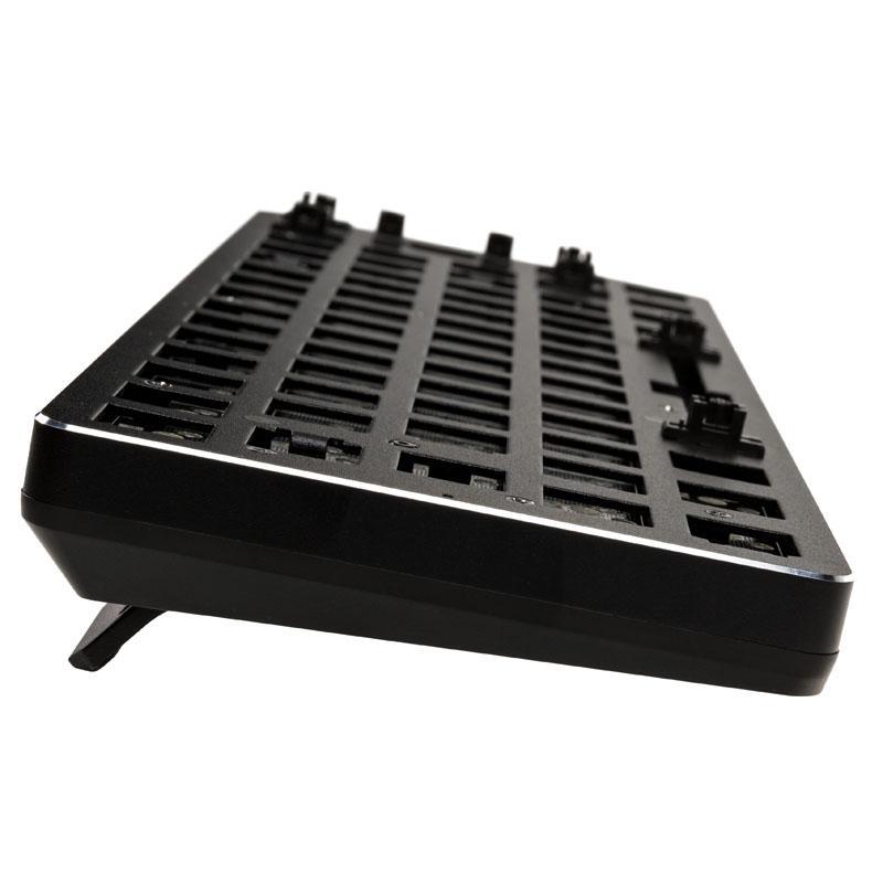 Геймърска механична клавиатура основа Glorious RGB GMMK Compact-3